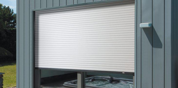 Quelles sont les caractéristiques d'une porte de garage?