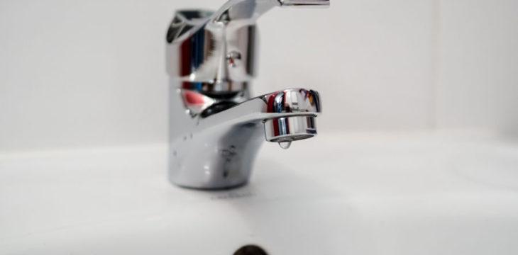 3 trucs pour faire briller sa robinetterie