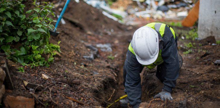 Tout ce qu'il faut savoir pour réparer une fuite sur un réseau enterré